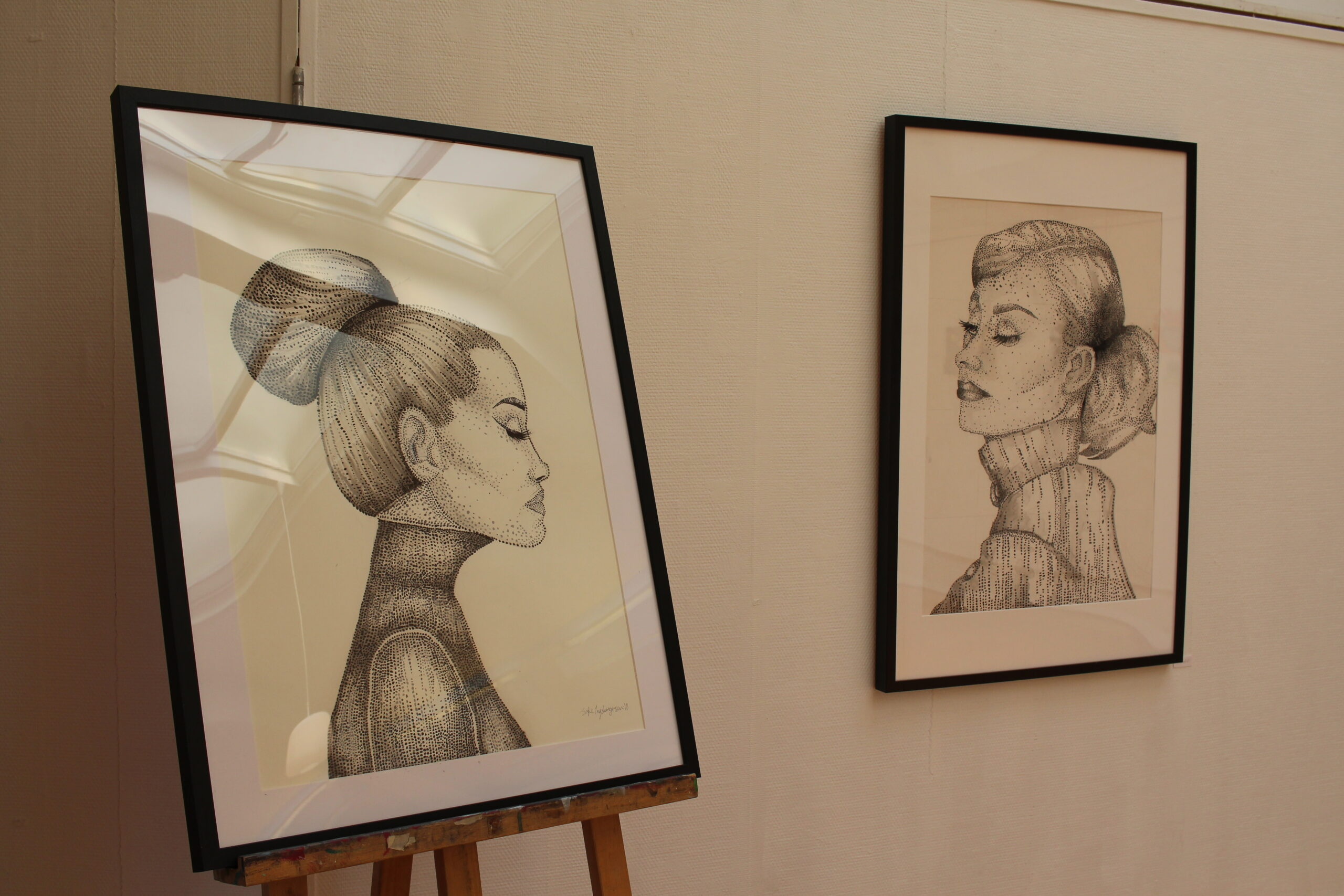 Tegninger av dame